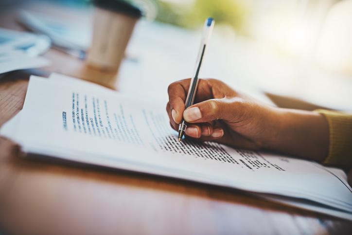 Quais regras e termos devem conter em um contrato de compra de imóvel